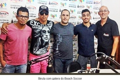 BIRUTA-COM-A-GALERA-DO-BEACH-SOCCER